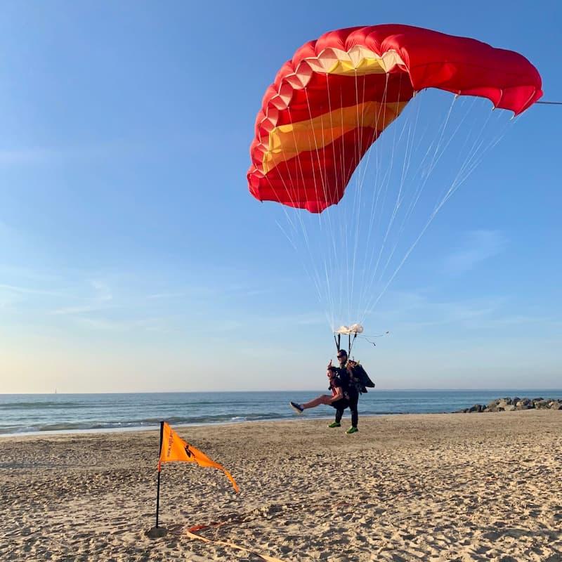 Saut Tandem Ocean Drop avec atterrissage dans le sable